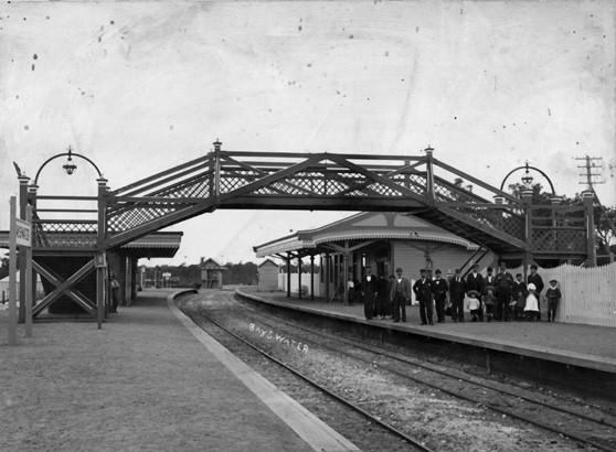 Bayswater_railway_station,_c._1900